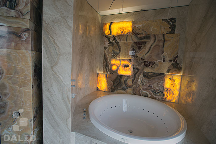 Spa zone with bath and onyx decoration